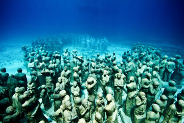Oceanic underwater sculptures by Jason deCaires Taylor
