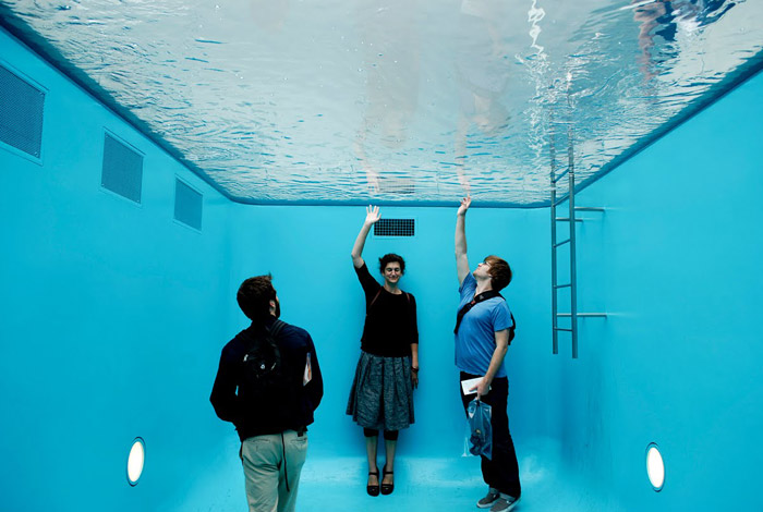 The swimming pool by leandro erlich the photophore for Most amazing swimming pools in the world