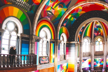 Okuda San Miguel: geometry and colours