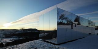 Casa Invisibile by Delugan Meissl Associated Architects