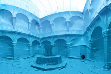 Inflatable balloons installations by Penique productions
