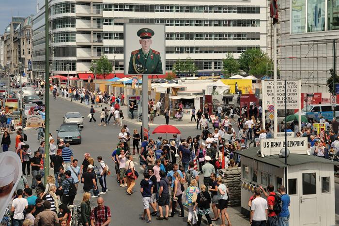Checkpoint Charlie - Photo: Friedhelm Denkeler - German Pavilion at Venice Architecture Biennale 2018: Unbuilding Walls