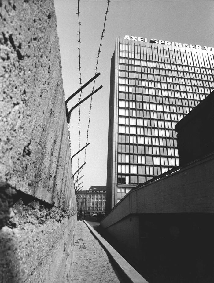 Axel-Springer-High-rise - Photo: Axel Springer SE - German Pavilion at Venice Architecture Biennale 2018: Unbuilding Walls