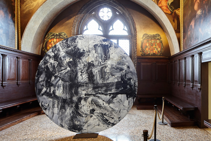 Dialoghi Contemporanei con Tintoretto [Contemporary Dialogues with Tintoretto], exhibition view at Palazzo Ducale Image Courtesy: Zuecca Projects. Photo: Marco Dabbicco