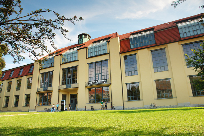 Henry van de Velde, the building of the Bauhaus, Weimar, Germany (1904–1911). Image courtesy by Ralf Herrmann. Creative Commons Copywright through Wikipedia