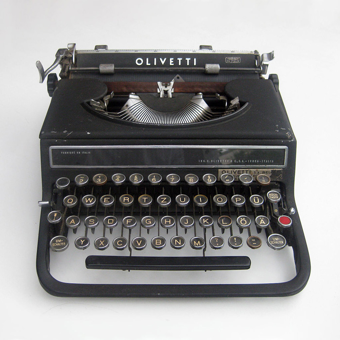 "Alexander Schawinsky (Bauhaus-alumni), Typewriter ""Olivetti Studio 42"" (1936). Image courtesy by ChristosV. Creative Commons Copywright through Wikipedia"