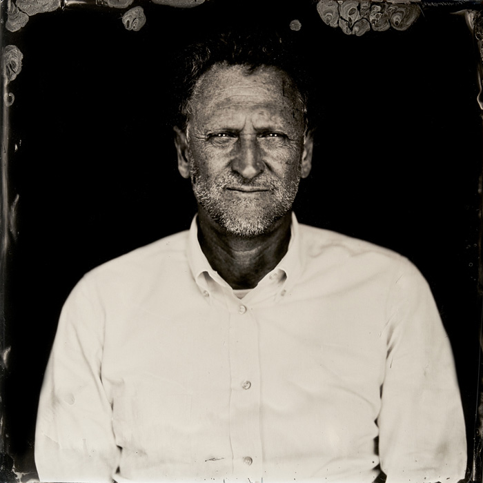 Marcin Gierat, Portrait of Luigi Lucchetta, CEO Barovier&Toso, 2019. Wet Collodion photography on Murano glass. 25x25 cm. Courtesy of the artist and Zuecca Projects, Venice - Man in the Glass, Venice 2020